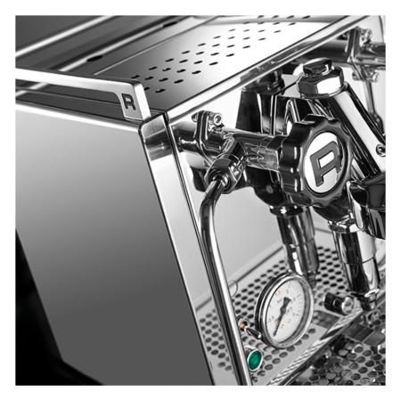 r-cinquantotto-coffee-machine-closeup