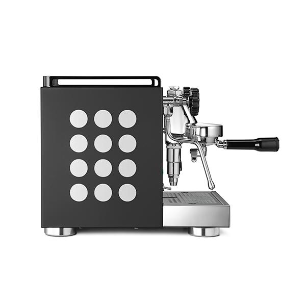 APPARTAMENTO-coffee-machine-black-white-side